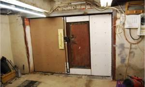 Чем обшить ворота гаража изнутри